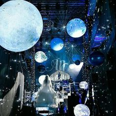 To the moon and back! Great decoration for a wedding with space theme. # wedding decoration theme motto … - New Site Galaxy Wedding, Star Wedding, Wedding Stage, Dream Wedding, Wedding Events, Weddings, Space Party, Space Theme, Star Decorations