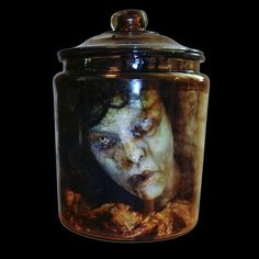 TINA'S HEAD IN AN APOTHECARY JAR - Full Size Ghostly Female Head In Aged 2 Gallon Glass Apothecary Jar. Comes With Aged Gauze And High Quality Wig