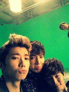 Wooyoung + Junsu + Junho + Nichkhun (2PM)