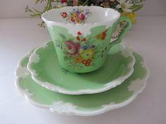 Collingwoods vintage 1930's green floral tea trio, Teacup set, Floral green teatrio