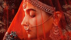 On International Women's Day, team Kalank unveiled the first character poster of Alia Bhatt. She plays Roop in the period drama. In her first look, the young actor oozes elegance and looks nothing less than a queen. Alia Bhatt, Wedding Looks, Bridal Looks, Tristan Thompson And Khloe, Cast Images, Desi Bride, Wedding Rituals, Karan Johar, Big Fat Indian Wedding
