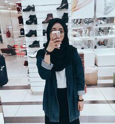 Modern Hijab Fashion, Street Hijab Fashion, Hijab Fashion Inspiration, Muslim Fashion, Colorful Fashion, Fashion Outfits, Casual Hijab Outfit, Hijab Chic, Hijab Hipster
