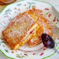 Toast with jam Breakfast Recipes, Dessert Recipes, Polish Recipes, Polish Food, Magic Recipe, Old Recipes, Food To Make, Sweet Tooth, Toast