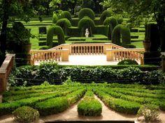 Laberinto de Horta gardens - Google Search