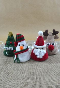 Crochet Christmas Decorations, Crochet Christmas Ornaments, Christmas Crochet Patterns, Holiday Crochet, Easy Christmas Crafts, Crochet Diy, Crochet Crafts, Yarn Crafts, Crochet Projects