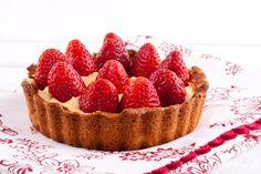 Gourmand magazine vous présente cette recette de tarte aux fraises et mascarpone. Un délicieux dessert à savourer en famille.