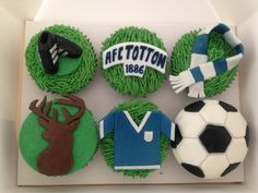 #football scarf crest and ball #cupcakes