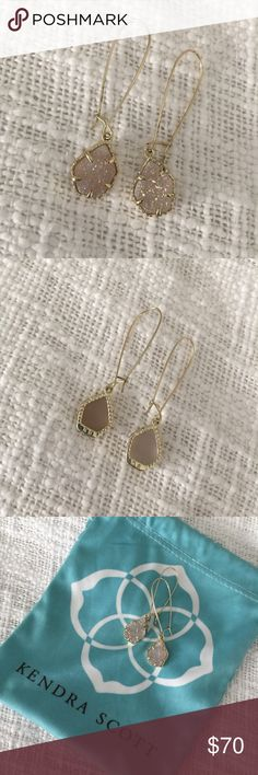 Kendra Scott Dee Earrings in Iridescent Drusy Like New Kendra Scott Dee Earrings in Iridescent Drusy stone. Comes with bag. No trades. Kendra Scott Jewelry Earrings