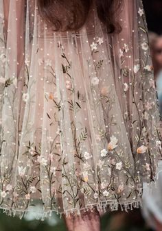"""vivalcli: """"Paolo Sebastian 'Once Upon a Dream' SS 2018 Haute Couture """" Paolo Sebastian, Pretty Outfits, Pretty Dresses, Beautiful Dresses, Couture Fashion, Runway Fashion, Woman Fashion, Fashion Fashion, Couture Collection"""