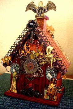 steampunk birdhouse @Denece Slade Slade Goertzen /// I can see you with one of these!
