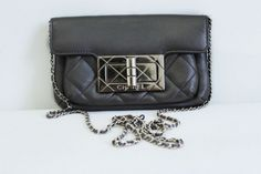 Pochette Chanel $402,25 sold by Samantha on Subtill.com