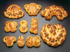 Joulupulla sahramilla = Xmas buns with saffron. Old style buns. Recipe: www. Nordic Christmas, Xmas, Christmas Stuff, Tasty Pastry, How To Make Bread, Finland, Cookies, Sweet, Desserts