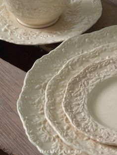I am in love with these dishes. Oak leaves and acorns are perfect for Thanksgiving. I have the gold salad plates but would love to collect the plain creamware as well. Antique Dishes, Vintage Dishes, Vintage China, Vintage Tableware, Vintage Plates, Fresh Farmhouse, White Dishes, White Plates, Dinner Sets