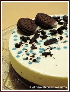 Helmenvalkoinen maailma: Vaniljajuustokakku suklaasydämellä