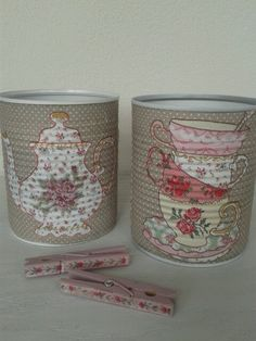 Decorated tin soup cans with napkins. Decoupage. Recycled soepblikken.