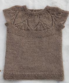 for Poppy :: lace yoke cap-sleeve pullover
