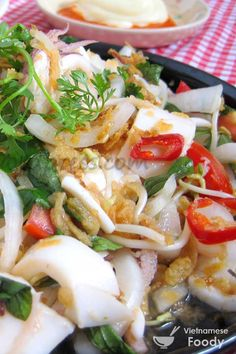 Vietnamese Squid Salad (Goi Muc Recipe) - Vietnamese Foody #salad #vietnameseslad