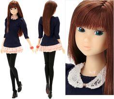 Momoko doll 'Beautiful Lines'. Now on my wish list!