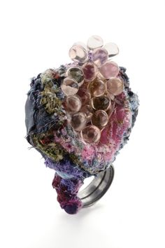 Doris Maninger - Ring with Tears, tantalum, textile, beads