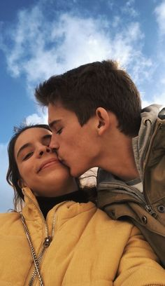 Cute relationship goals, couple relationship, cute relationships, wanting a boyfriend, boyfriend goals Cute Couples Photos, Cute Couple Pictures, Cute Couples Goals, Couple Photos, Relationship Goals Pictures, Couple Relationship, Cute Relationships, Photo Couple, Love Couple