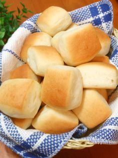 ちょっと甘めのプチミルクパン♪ by Chikayan - Food: Veggie tables Bread Recipes, Cooking Recipes, Japanese Bread, Bread Packaging, Bread Toast, Bread Pizza, Sweet Buns, Vegetable Drinks, Diy Food