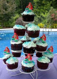 Use your Little Mermaid Cupcakes as your table party decoration.