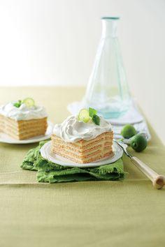 Most Baked Cake Recipes_Key Lime Icebox Cake Key Lime Desserts, No Cook Desserts, Dessert Recipes, Lemon Desserts, Dessert Ideas, Delicious Desserts, Yummy Food, Icebox Cake Recipes, Best Cake Recipes