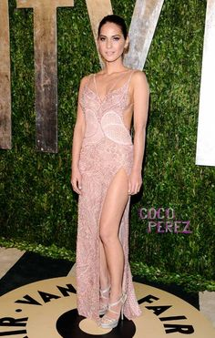 Oscars 2013: Olivia Munn wears Atelier Versace to the Vanity Fair party