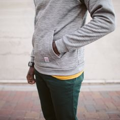 This classic, comfortable and durable layer compliments any wardrobe. Our trim fit Mountain Sweatshirt offers wind protection and fuzzy warm comfort. Made in USA.