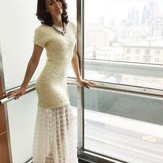 Молочное платье с кружевом в пол😍, что может быть нежнее?  Рано или поздно, почти каждая девушка покупает себе платье в пол. На свадьбу или на другое особенное событие.   А я очень люблю, когда наши клиенты уходят из бутика с длинным платьем в сумочке UONA. Я знаю, что они уносят с собой женственный, роскошный образ и будут не раз блистать в нашем платье❤️.  _________  Всем расчудесного наступающего понедельника💐
