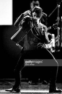 Latin Grammy 2017 #CNCO #latingrammy #reggaetonlento #christophervelez #richardcamacho #joelpimentel #zabdieldejesus #erickbriancolón Simon Cowell, Latin Grammy, Five Guys, Crazy Love, Funny Me, Show, My Boys, Boy Bands, The Incredibles
