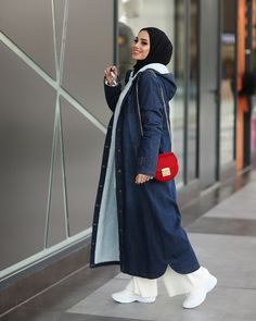 """The post Trendy Sport Style Hijab Girls"""" appeared first on Pink Unicorn Style woman Hijab Outfit, Girl Hijab, Hijab Dress, Sport Fashion, Look Fashion, Fashion Design, Fashion Trends, Winter Mode Outfits, Winter Fashion Outfits"""