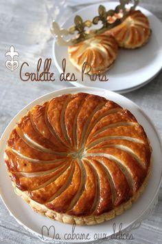 Tiramisu au lemon curd et meringue Phyllo Recipes, My Recipes, Sweet Recipes, Cooking Recipes, Cookie Desserts, Fun Desserts, Dessert Recipes, Sweet Pastries, French Pastries