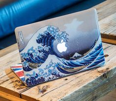 10 Creative Laptop Skins to Freshen Up Your MacBook - Thither Calcomanía Macbook, Skin Macbook Pro, Coque Macbook, Apple Laptop Macbook, Macbook Pro Case, Coque Iphone, Macbook Pro Retina, Apple Laptop Covers, Laptop Skin Cover