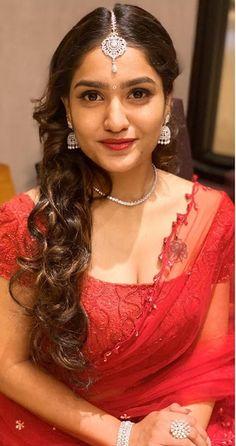 Indian Film Actress, Beautiful Indian Actress, Best Actress, Beautiful Actresses, Indian Actresses, Yash Raj Films, Photoshoot Images, Cute Girl Pic, Young Actresses