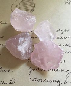 Crystal Aesthetic, Pink Aesthetic, Rose Quartz Crystal, Crystal Healing, Crystals And Gemstones, Stones And Crystals, Healing Gemstones, Swarovski Crystals, Crystal Room