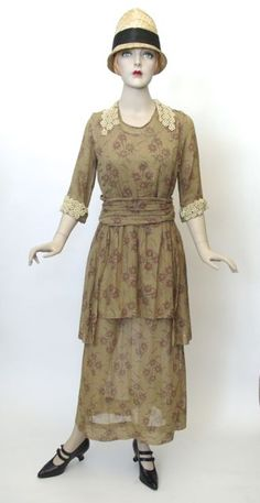 FC0363 Dress, cotton floral print, unlabelled, c. 1918
