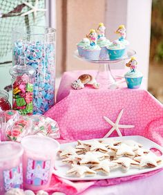 PBJ cut in star shapes, the candy jars, the tablescape - all so cute!