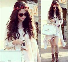 Lovely Selena   https://instagram.com/p/BFS1Df7K_nq/