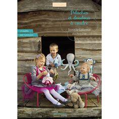 Vous trouverez dans ce livre 23 modèles de doudous et peluches pour enfants (dont 5 accessoires), avec leurs patrons en taille réelle et les pas à pas détailles avec photos.  Les techniques spécifiques à la couture de doudous sont expliquées en détail en pas à pas ainsi que le matériel et les outils indispensables à leur réalisation.  http://boutique-creapassions.com/index.php?livre=465&