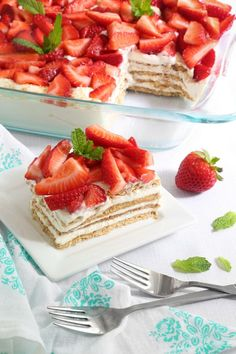 Say hello to my new favorite summertime dessert! This icebox cake is no-bake and only uses only five ingredients. You can throw it together in about 15 minutes and after a short chill in the refrigera