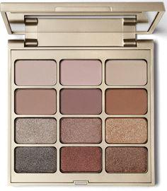 Stila Matte 'N Metal Eye Shadow Palette is a luxurious twelve shade eyeshadow palette with six modern matte and six mega metallic shades.