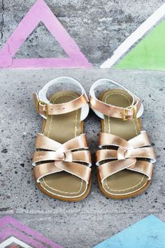rose gold saltwater sandals children @ little pinwheel