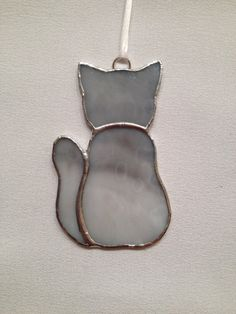Stained Glass Ornament Gray Kitty Cat by MamaAgees on Etsy Stained Glass Cookies, Stained Glass Ornaments, Stained Glass Birds, Stained Glass Christmas, Stained Glass Suncatchers, Faux Stained Glass, Stained Glass Designs, Stained Glass Panels, Stained Glass Projects