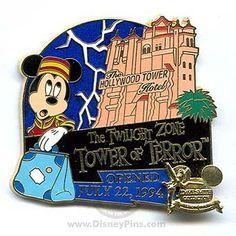 disney tower of terror collector& pin Disney Pin Trading, Disney Dream, Disney Magic, Disney Cartoons, Disney Movies, Badges, Disney Pens, Disney Pin Collections, Disneyland Pins