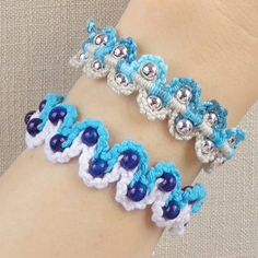 How to make a Macrame Bracelet with waves and beads. This Bracelet looks good from both sides!