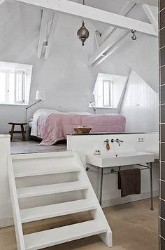 Love this raised bed/bath idea