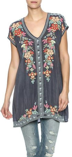 Absolutely beautiful floral boho tunic!