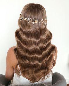 25 Gorgeous Wedding Hairstyles for Long Hair frisuren haare hair hair long hair short Bride Hairstyles For Long Hair, Wedding Hairstyles For Long Hair, Vintage Hairstyles, Up Hairstyles, Gorgeous Hairstyles, Everyday Hairstyles, Wavy Wedding Hair, Bridal Hair Updo, Long Hair Wedding Styles