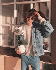 How to move toward becoming Indie Guy? Subsequent to bringing probably the most cool indie outfits for men which got too often shares on social media. Indie Outfits, Boy Outfits, Summer Outfits, Mode Streetwear, Streetwear Fashion, Indie Fashion Men, Fashion Edgy, Runway Fashion, Fashion Ideas